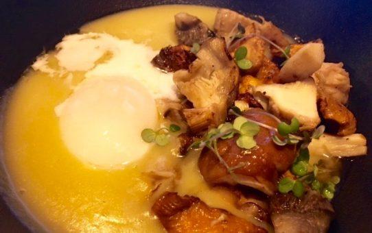 setas de temporada con huevo a baja temperatura