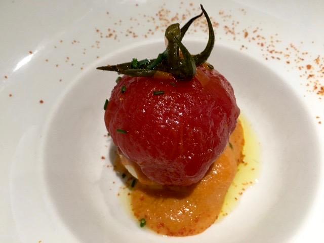 tomate en almíbar con queso pasiego