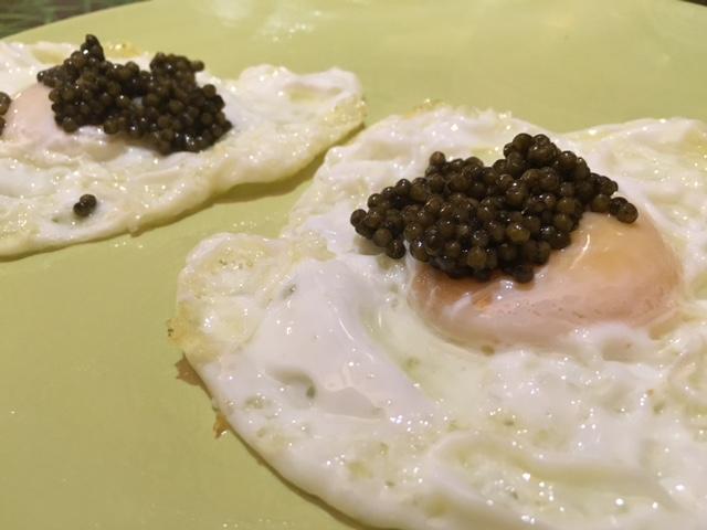 Huevos de Corral con Caviar Irani Beluga
