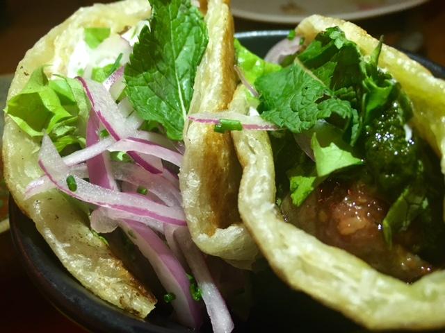 Kebab Indonesio con Lomo de Buey y hojas de lima kaffir