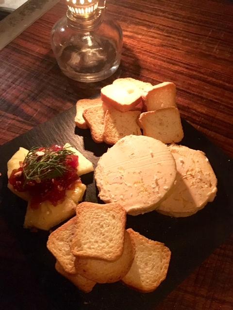 Mousse de Foie de Pato con Chutney de Tomate y Piña natural