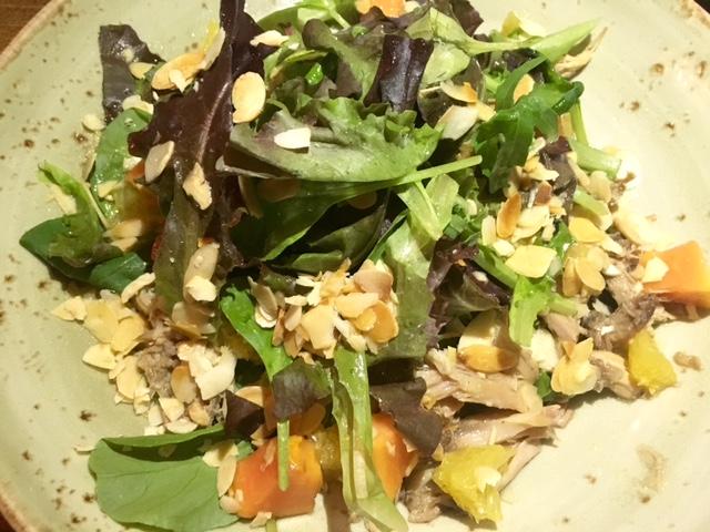 Ensalada de codorniz en escabeche y papaya