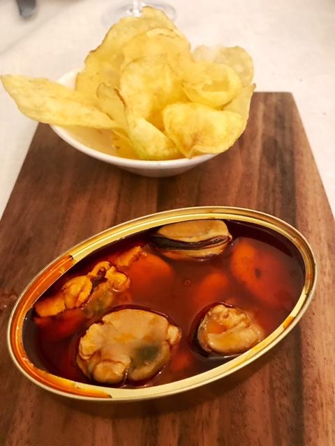 Mejillones Gallegos en Escabeche y Patatas Fritas