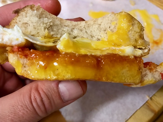 Mollete de Sobrasada con Huevo frito